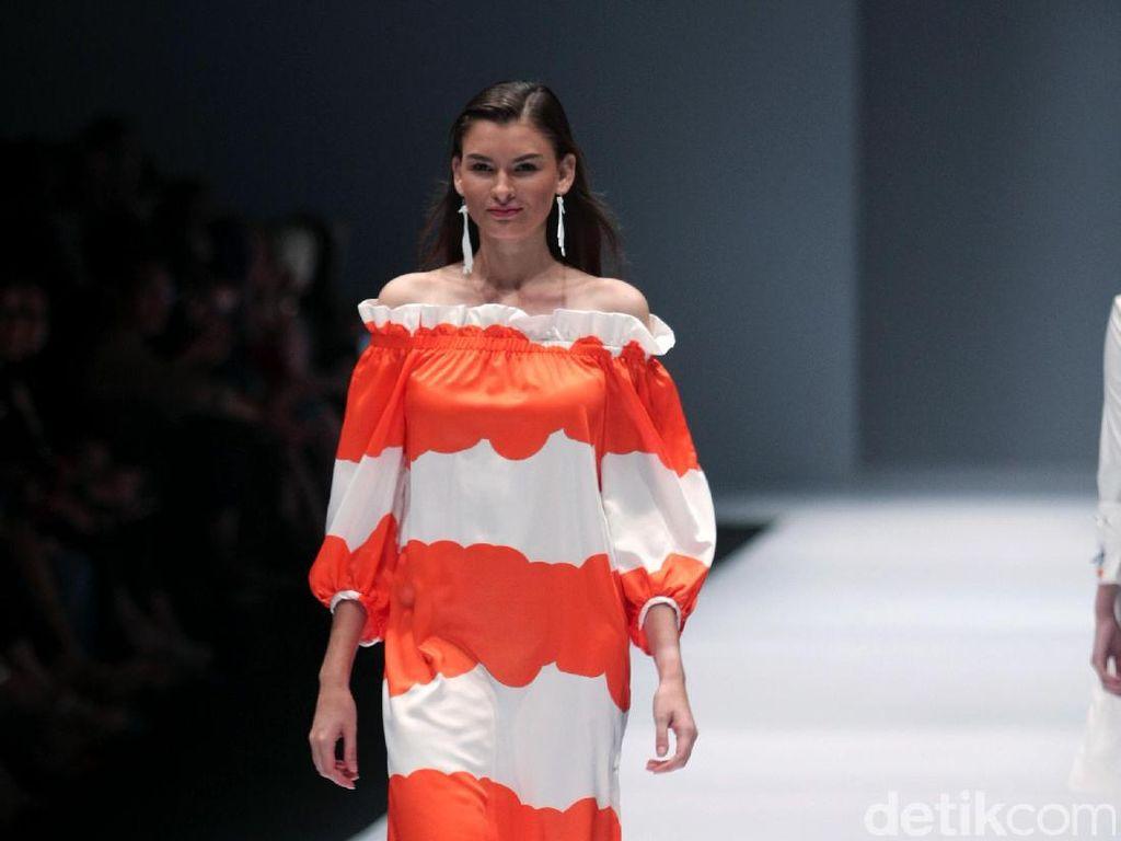 Foto: Koleksi JII by Gloria Agatha di Jakarta Fashion Week 2017