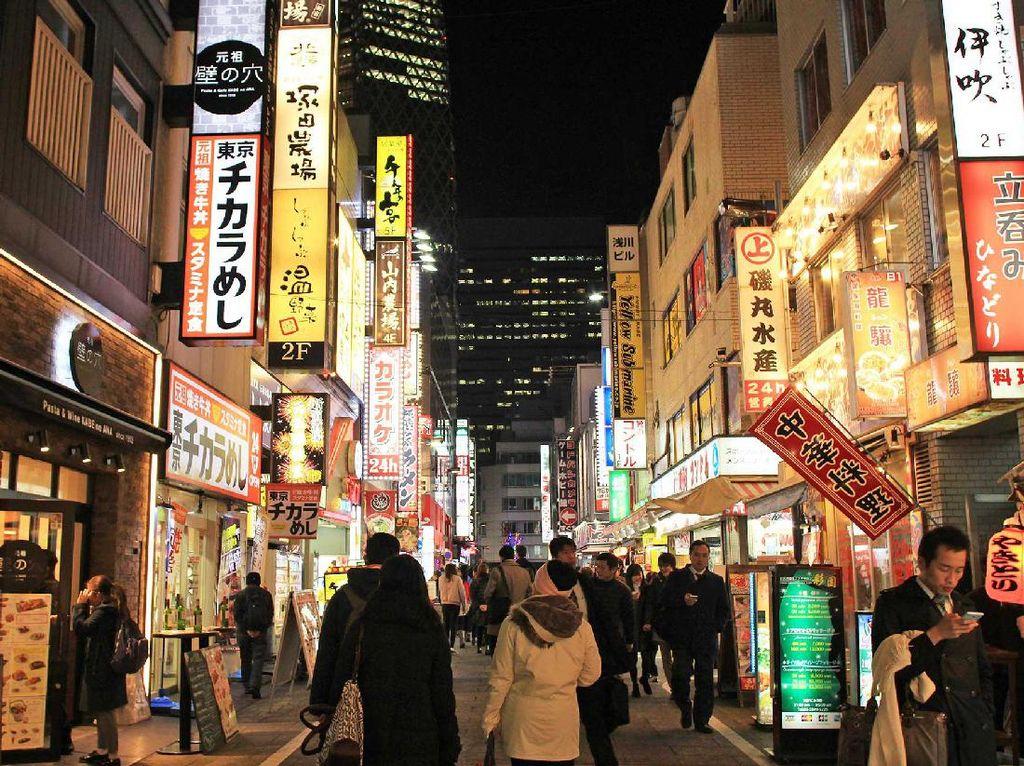 Geliat Malam Kawasan Shinjuku di Jepang, Seperti Tak Pernah Tidur