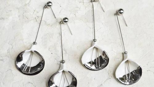 Tampil Memikat dengan 5 Anting Cantik Keluaran Brand Lokal