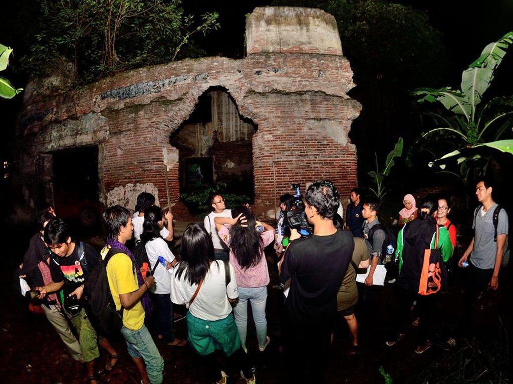 Wisata Malam Jakarta yang Beda, Menelusuri Urban Legend
