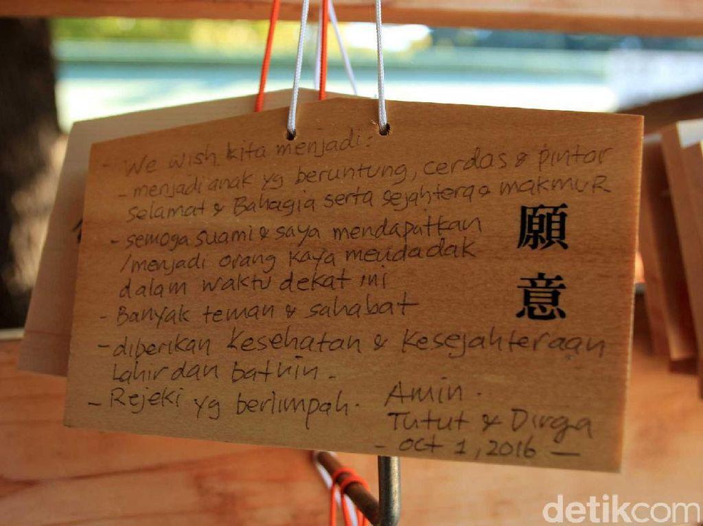 Aneka Keinginan Lucu Traveler Indonesia di Kuil Jepang