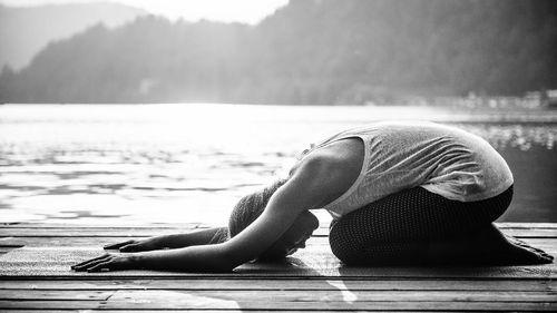 5 Tren Yoga Unik Sepanjang Masa