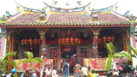 Kelenteng Hadiah Sultan Yogya Dipadati Pengunjung Dan Pemburu Angpau