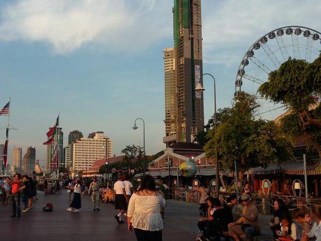 Asiatique, Tempat Nongkrong Sore Anak Muda Thailand
