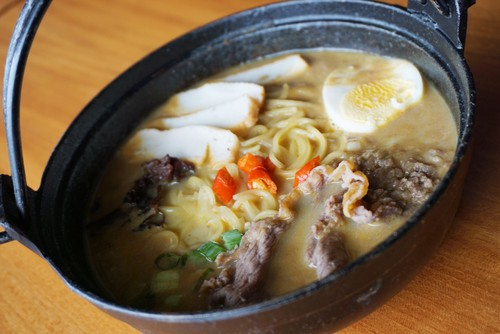 NoMiNoMi Delight: Yuk, Cicipi Beef Curry Ramen dan Es Krim Matcha Aneka Topping