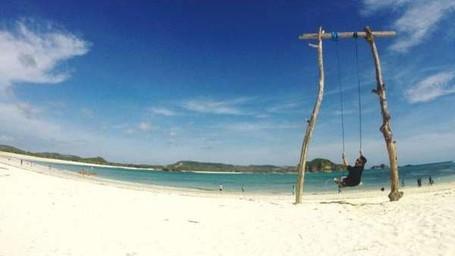 Bersantai di 6 Pantai Cantik Kawasan Mandalika, Lombok