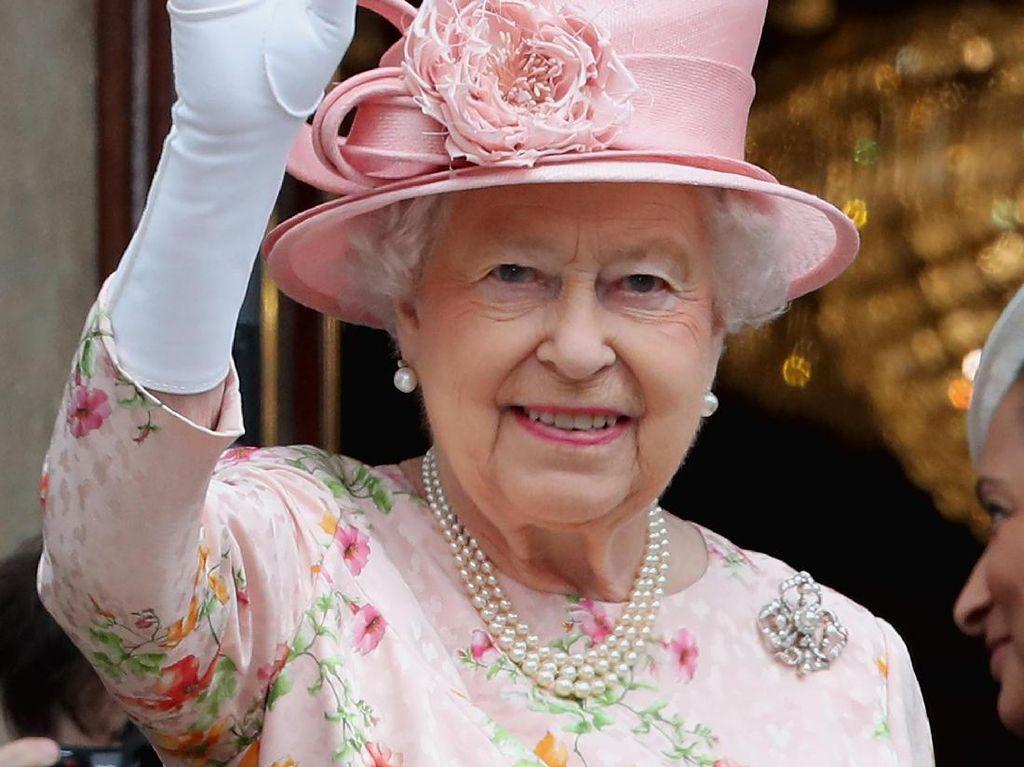 Cari Tim Socmed, Ratu Elizabeth Tawarkan Gaji Rp 500 Juta