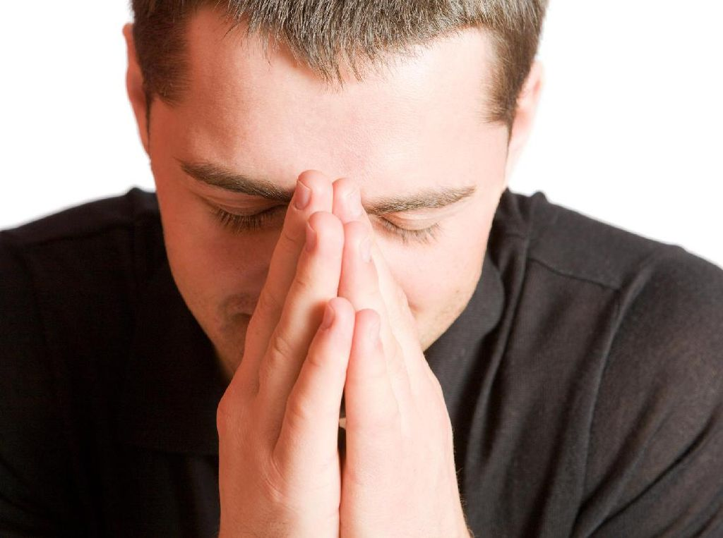 Merasa Cemas Hingga Mimpi Buruk dan Susah Tidur, Apa Solusinya?