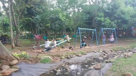 Nih, Taman Asri Di Depok Buat Piknik Bareng Buah Hati