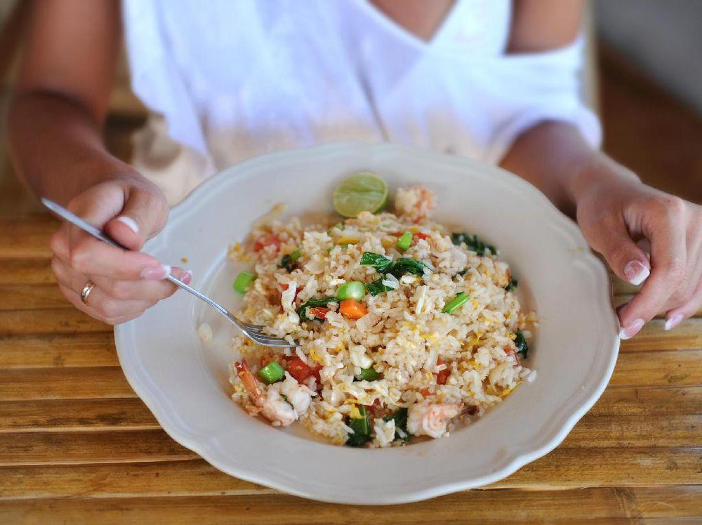 Meskipun Enak, 5 Makanan Ini Kurang Menyehatkan untuk Makan Malam