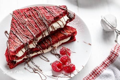 Ini Cara Praktis Bikin Roti Panggang Red Velvet Isi Krim Cheesecake