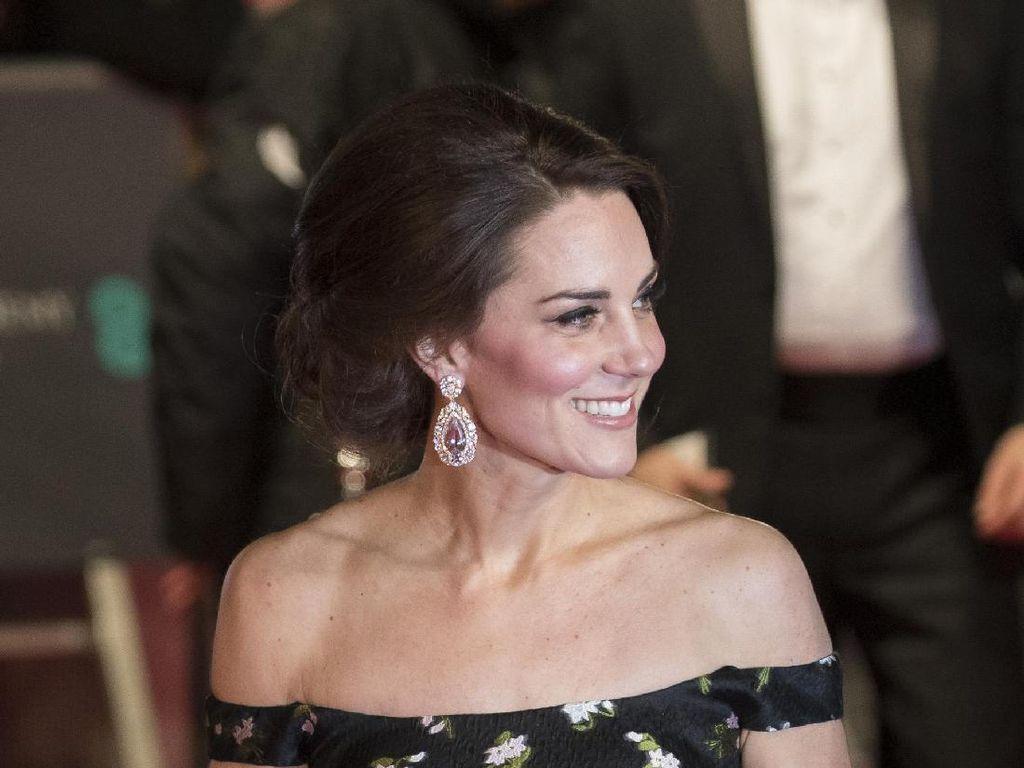 Kate Middleton Sampai Emma Stone, Ini 7 Seleb Berbusana Terbaik di BAFTAs