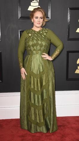 Butuh 1.600 Jam untuk Membuat Gaun Grammy Adele