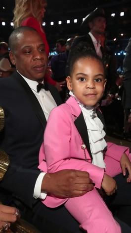 Penampilan Putri Beyonce dengan Setelan Pink Gucci Rp 15 Juta
