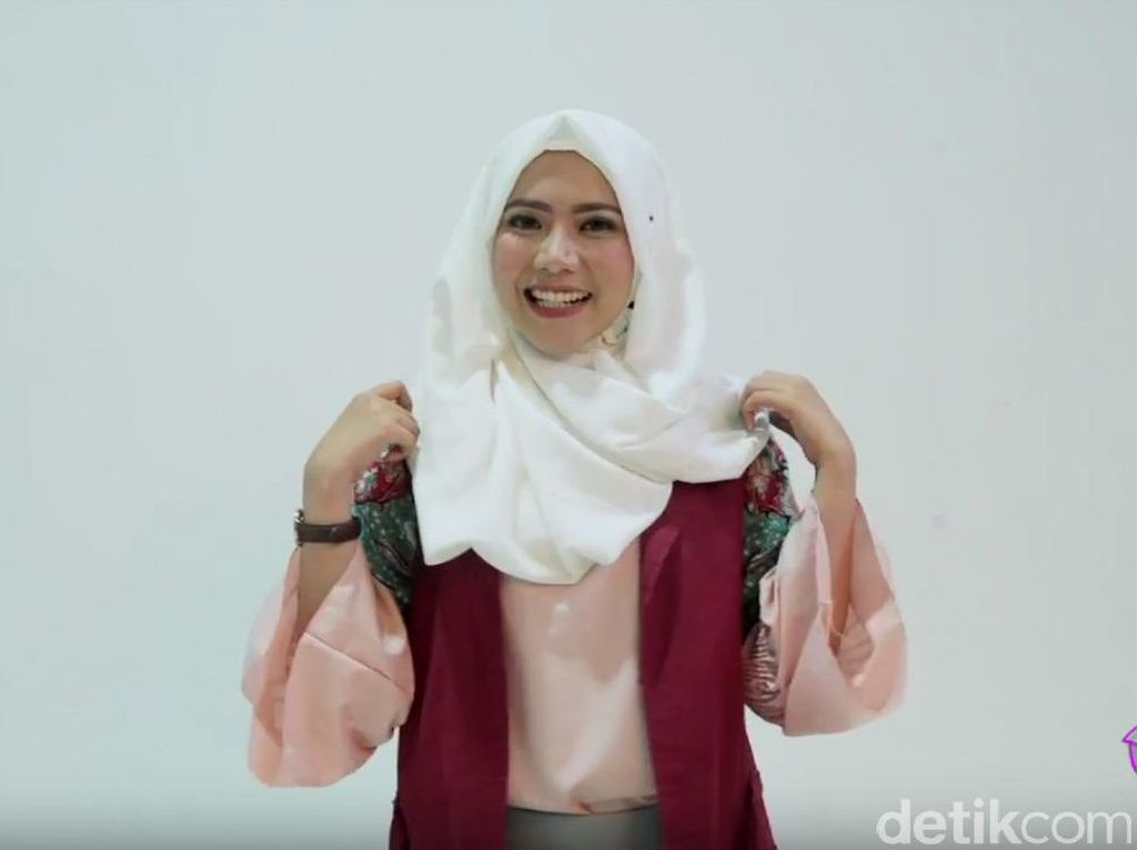Tutorial Hijab Praktis dan Cepat untuk ke Kantor