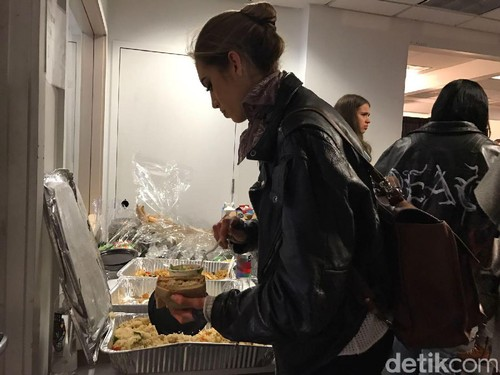 Nasi Goreng Jadi Makanan Favorit Para Model di New York Fashion Week
