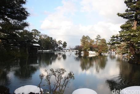 Justru Cantik Saat Musim Dingin, Ini Taman Bunga Jepang
