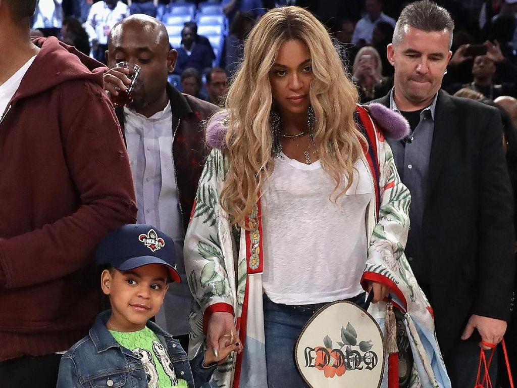 John Mayer Ingin Pinjam Outerwear Rp 293 Juta Milik Beyonce