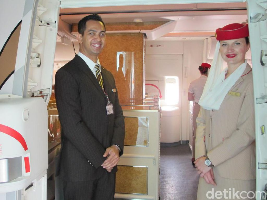 Foto-foto Kelas Bisnis Emirates Jakarta-Dubai