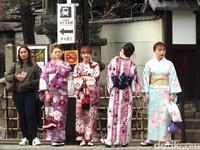 Yang Harus Dicoba di Jepang, Berkimono Keliling Kyoto