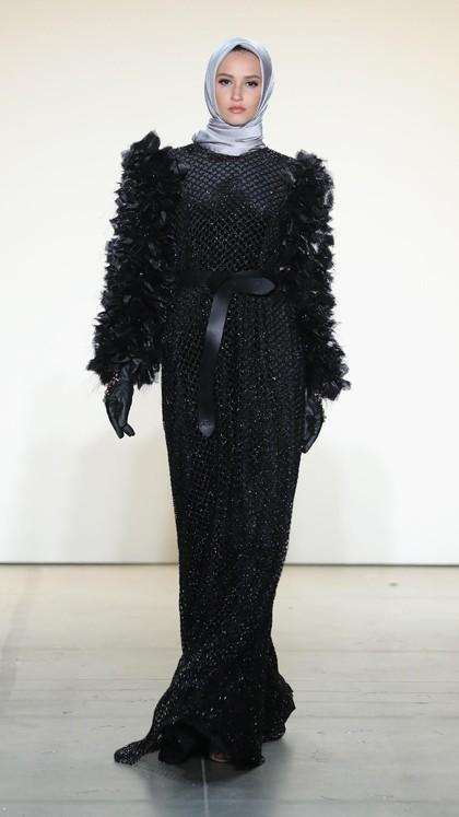 Foto: Koleksi Busana Anniesa Hasibuan di New York Fashion Week