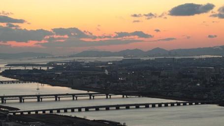 Ada Cerita Kala Senja Berpamitan Dari Osaka