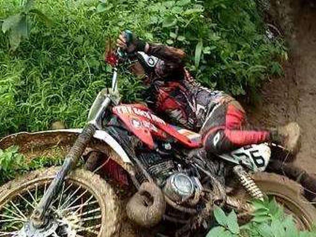 Trabas di Gunung Kujang Subang, Treknya Bikin Kapok!
