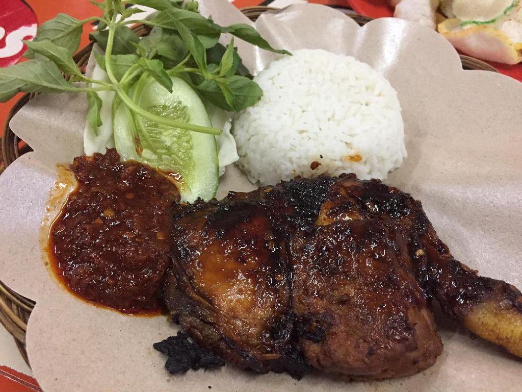 Kalau ke Kantin Pacific Place, Wajib Cicip Ayam Bakar dan Gado-gado