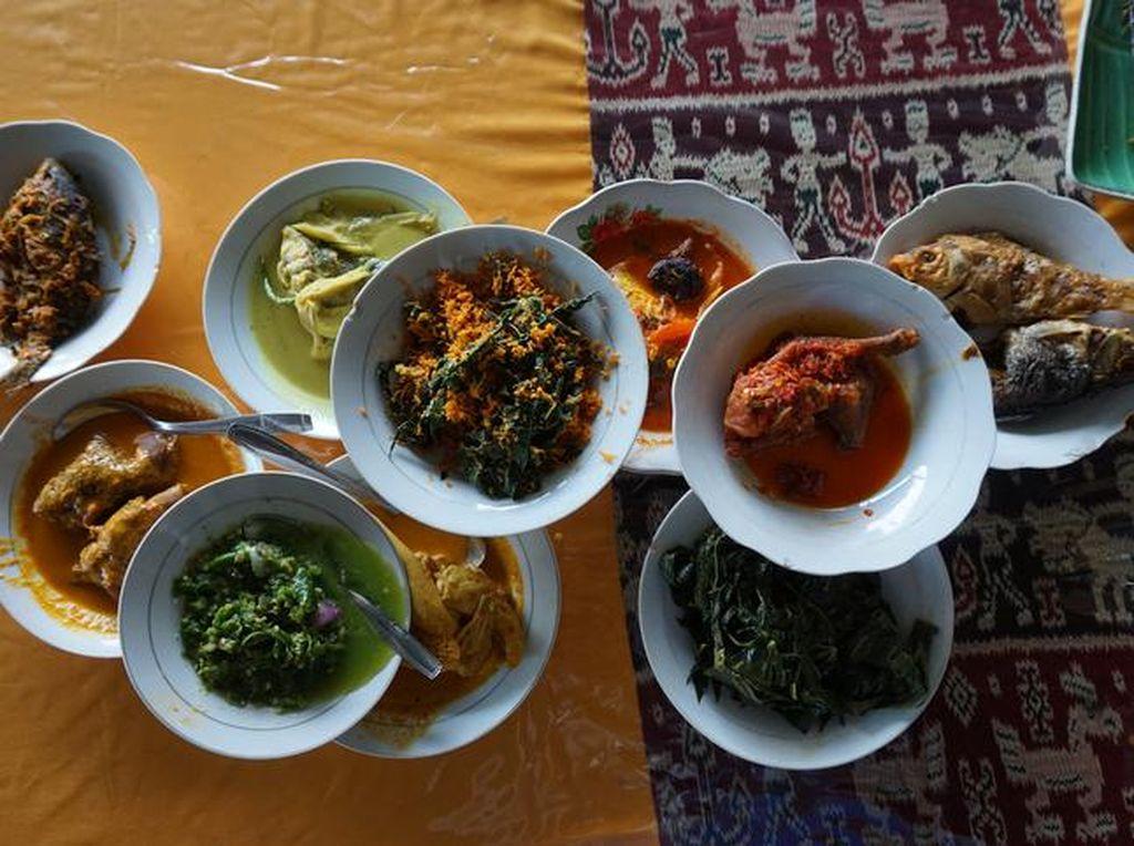 Di Kantin Plaza Senayan Tersedia Pilihan Makan Siang di 40 Tenant!