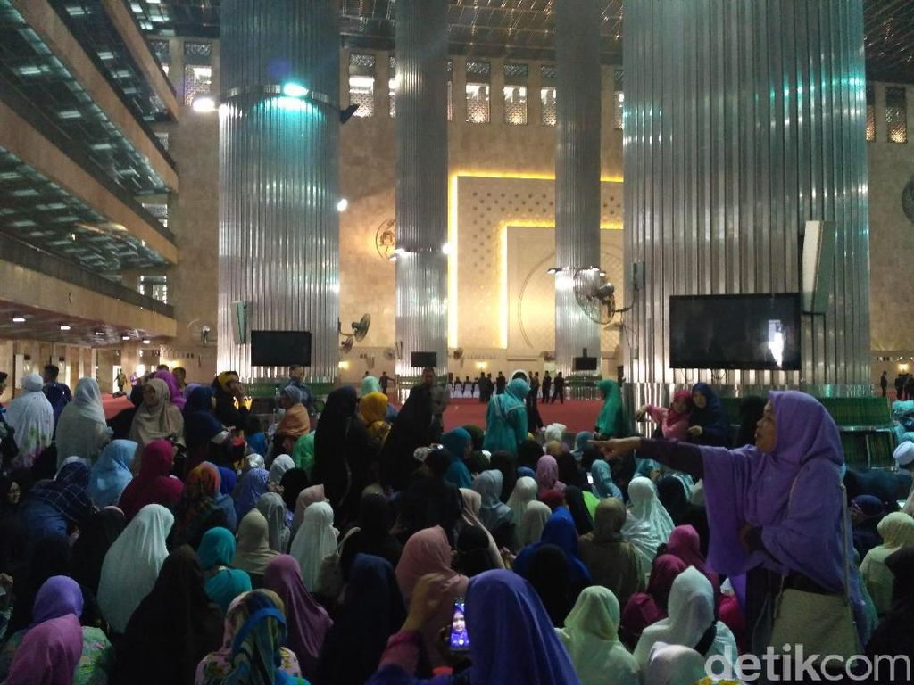 Warga Diizinkan di Dalam Masjid Istiqlal Selama Raja Salman Datang