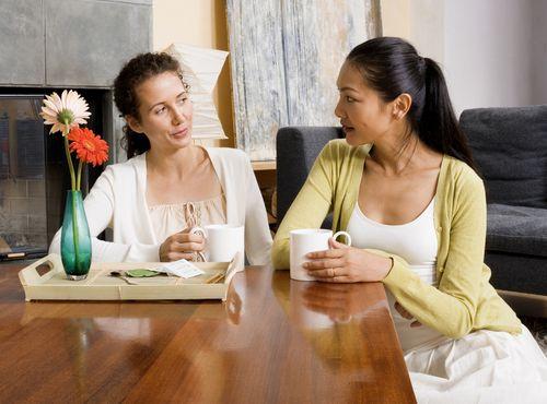 Kenapa Sih Ada Orang Yang 'Hobi Jual Omongan' Ke Orang Lain?