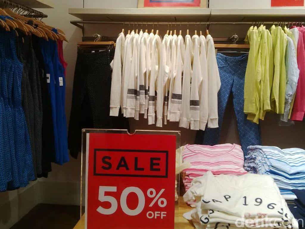 GAP Diskon Hingga 50%, T-shirt Mulai dari Rp 180 Ribu