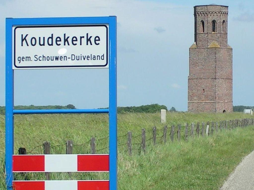 Kisah Putri Duyung & Menara Kutukan di Belanda