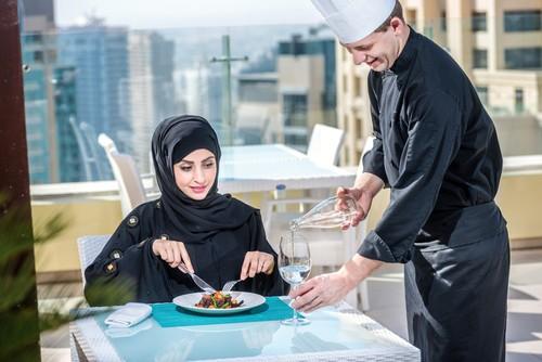 Untuk Layani Makanan Selama Berlibur, Raja Salman Bawa Chef Sendiri