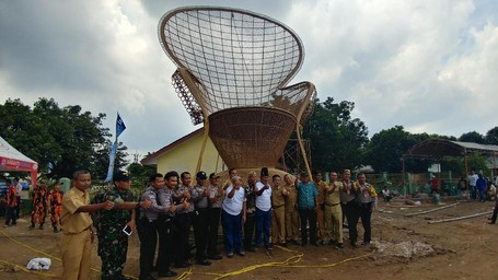 Ikon Pariwisata Baru Cirebon, Kursi Rotan Raksasa Setinggi 12 Meter!