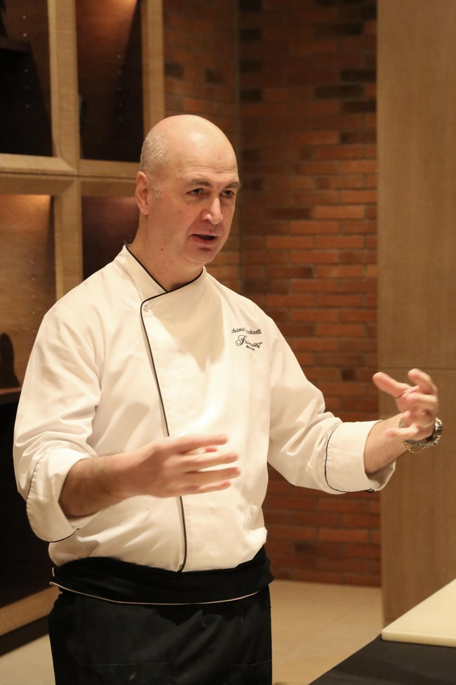 Mencicip Carpaccio di Wagyu dan Lamb Chops Buatan Chef Antonio Facchinetti