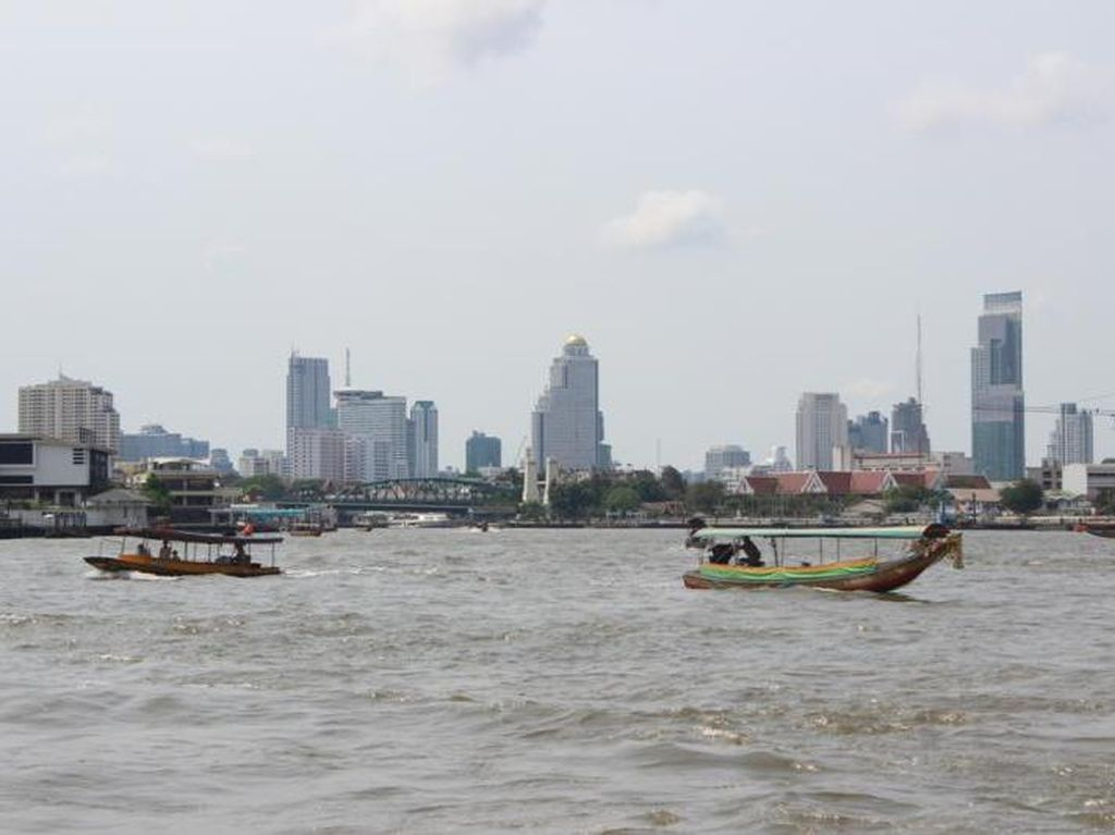 Asyiknya Menyusuri Sungai Chao Phraya di Bangkok