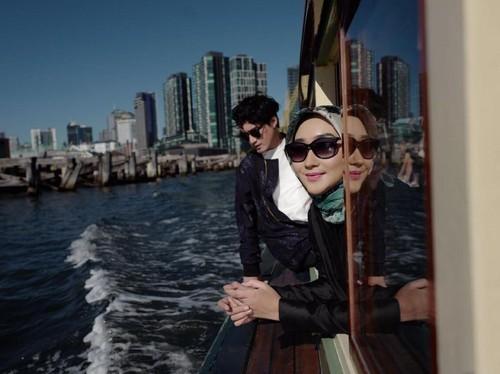 Dian Pelangi & Barli Asmara Cari Inspirasi dari Pasar Sampai Wisata Cruise