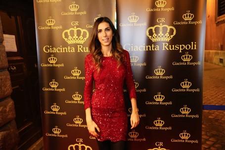 Cuma Di Italia, Menginap Bareng Putri Bangsawan Cantik Di Istana