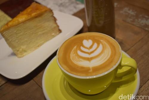 Djule Kofi: Menikmati Kopi Guatemala Aplario Ditemani Cake