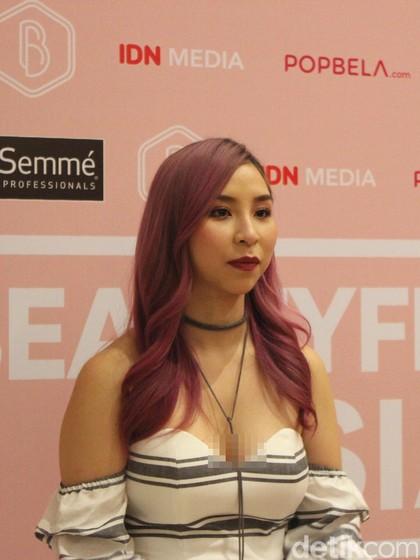Tina Yong, Beauty Vlogger Populer yang Pernah Jadi Makeup Artist Gratisan