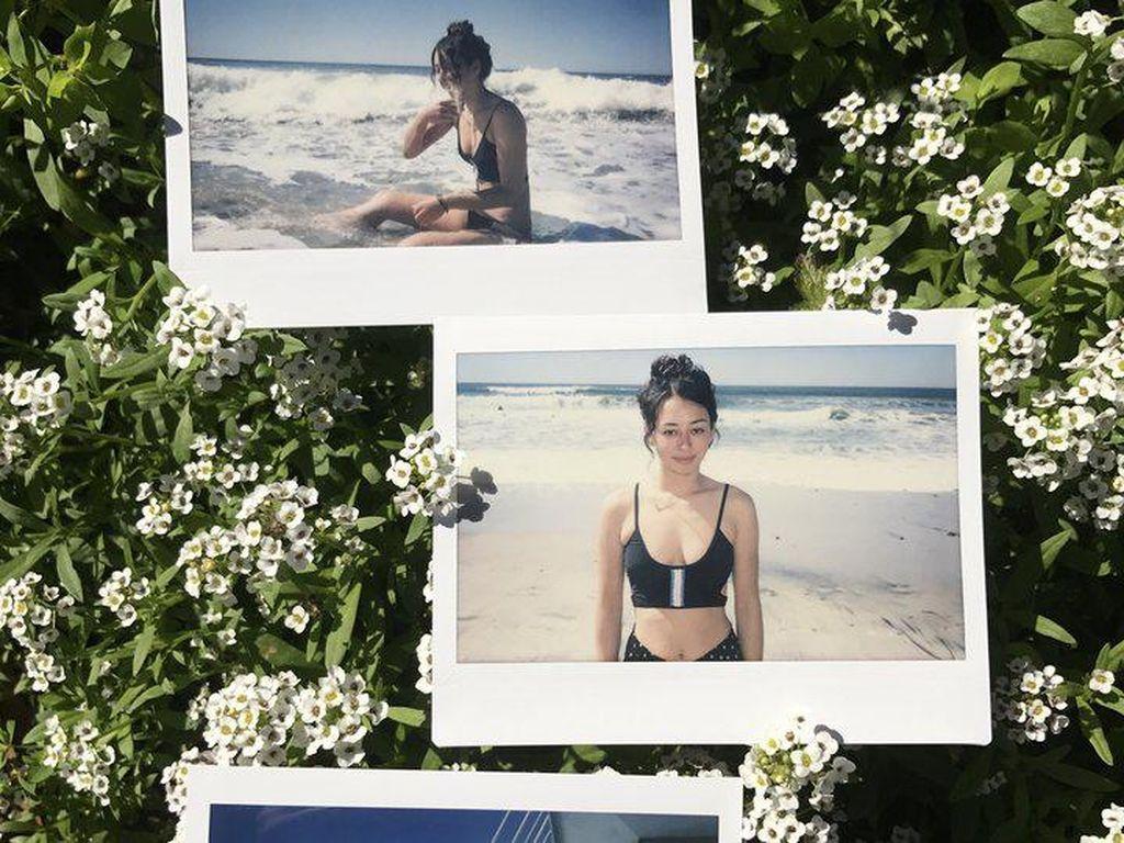 Iklan Baju Renang Ini Tampilkan Wanita Plus Size dengan Stretch Marks