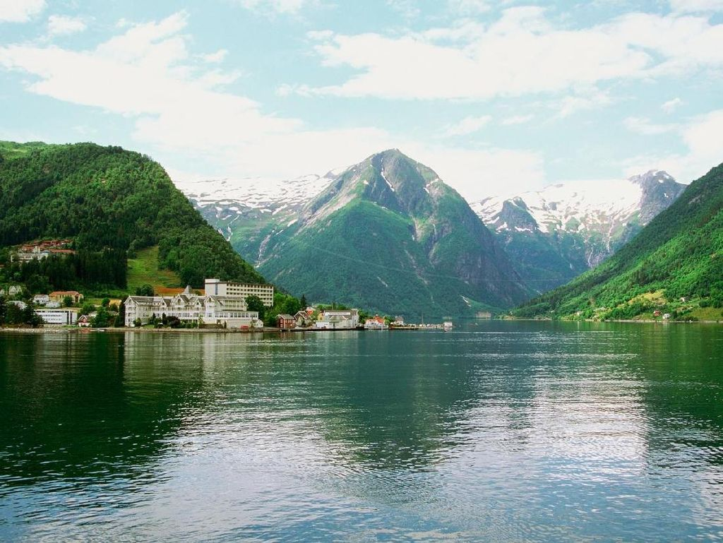 Alam yang Indah Bikin Norwegia Jadi Negara Paling Bahagia