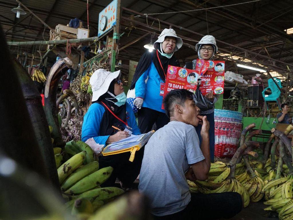 Berburu Dahak TB di Pasar Kramat Jati