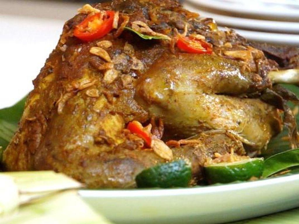 Yuk, Bikin 5 Olahan Ayam dan Bebek Gaya Bali yang Enak Ini!