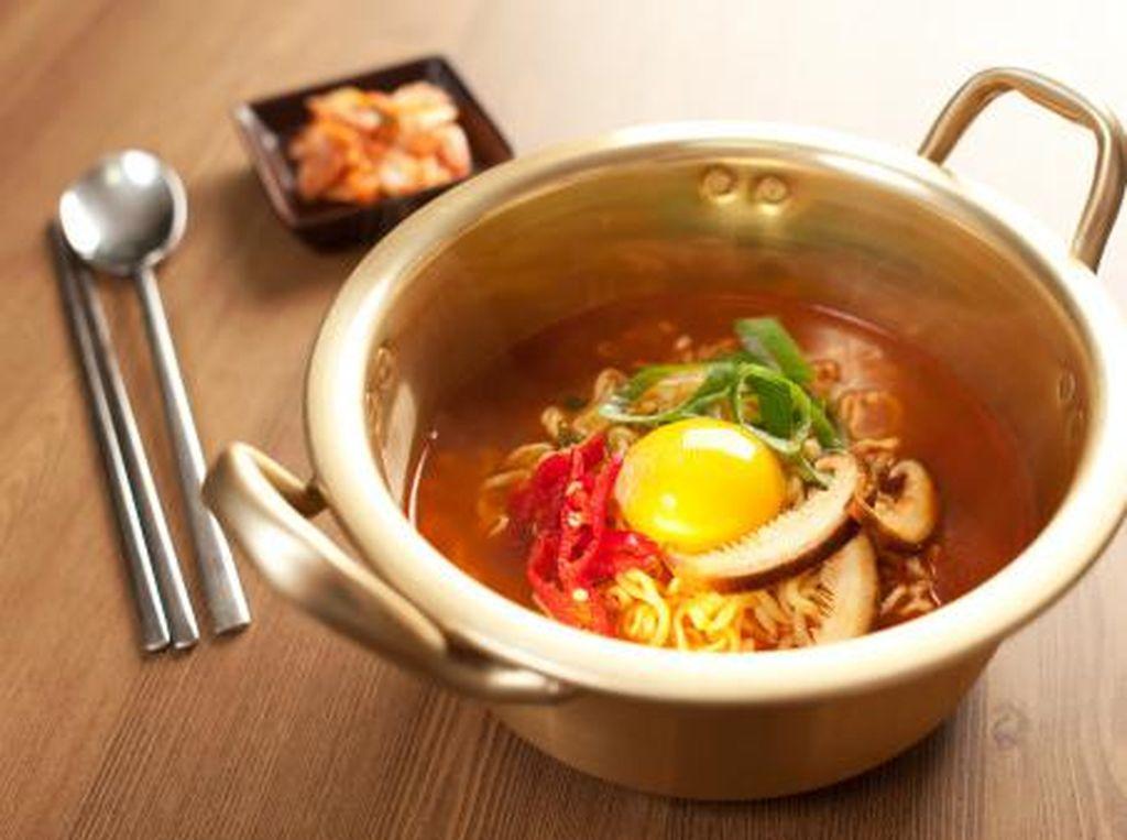6 Makanan Menggiurkan Ini Sering Muncul di Drama Korea