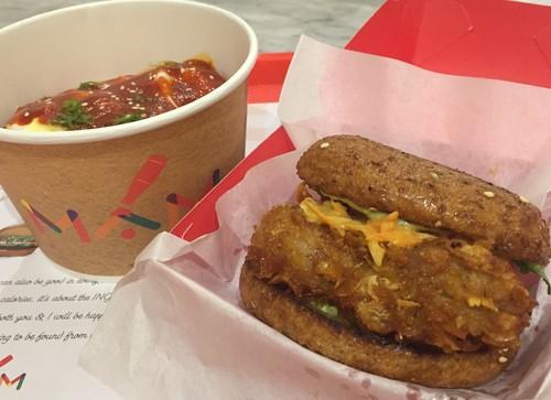 MAM: Di Sini Ada Burger Sehat dengan Patty Ayam Goreng Tepung yang Renyah