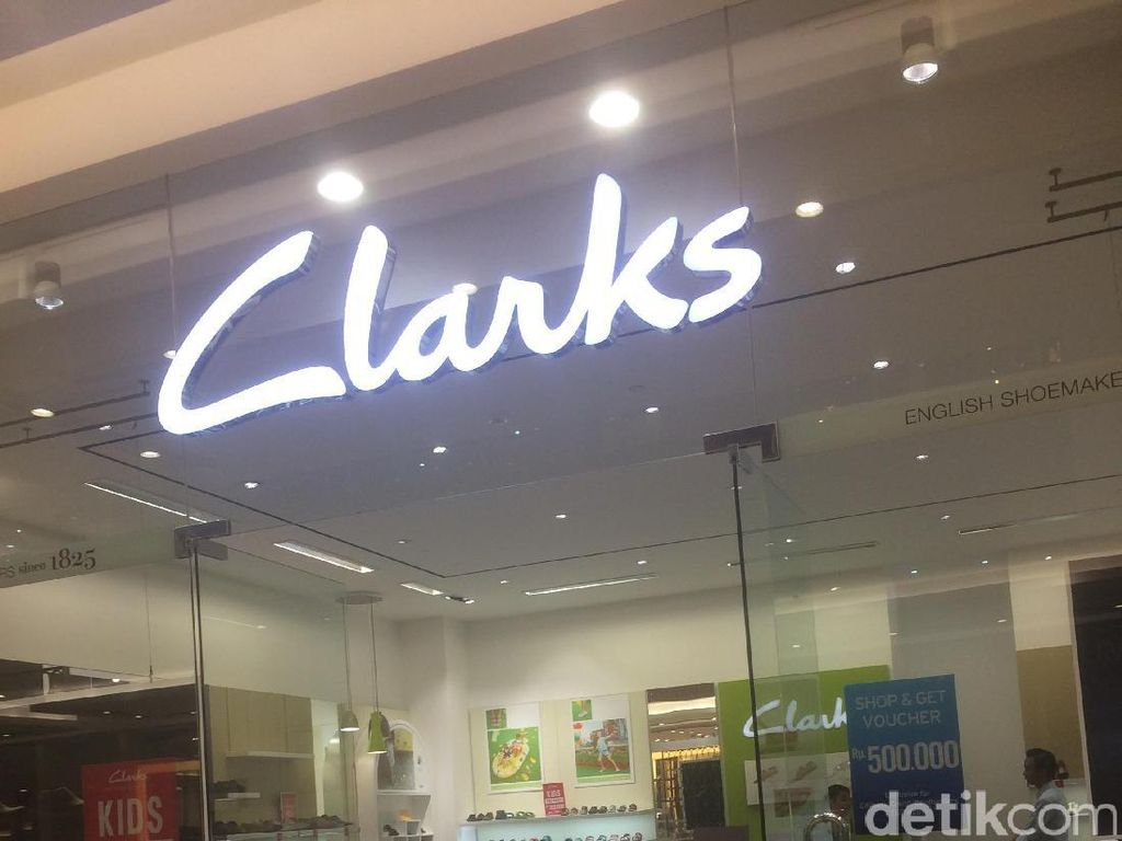 Sepatu Wedges Hingga Slip On Diskon 50% di Clarks