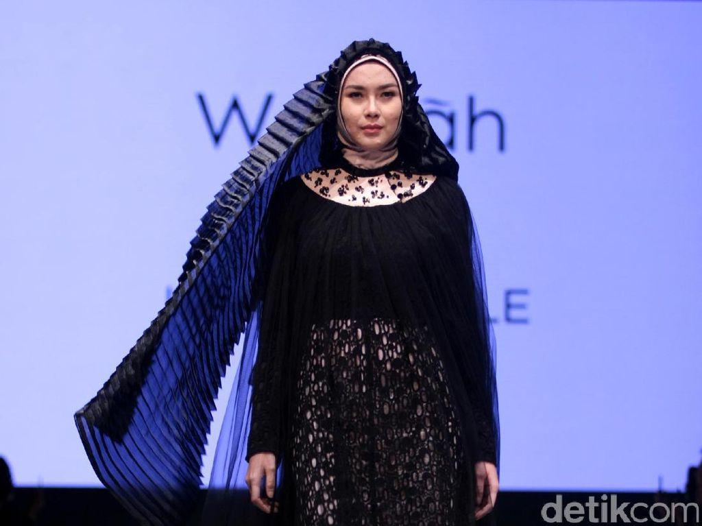 Foto: Koleksi Irna La Perle di Muslim Fashion Festival 2017