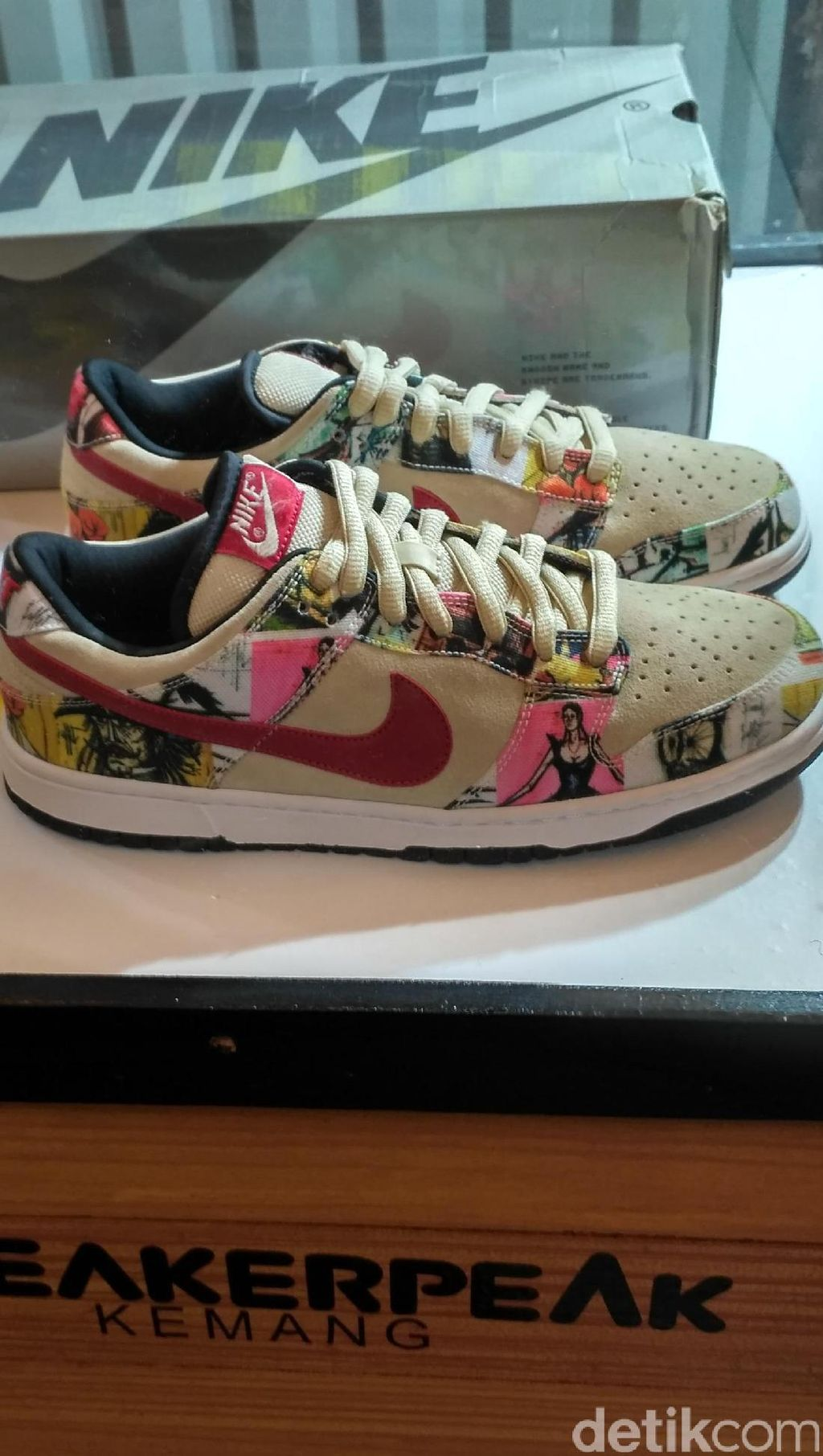Sepasang Sneakers Dijual Seharga Rp 168 Jutaan. Apa Istimewanya?